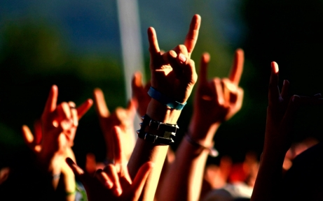 music-concert-metal-horns-hand-signs-1440x900