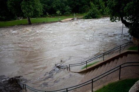 FloodedBartonCreek_0
